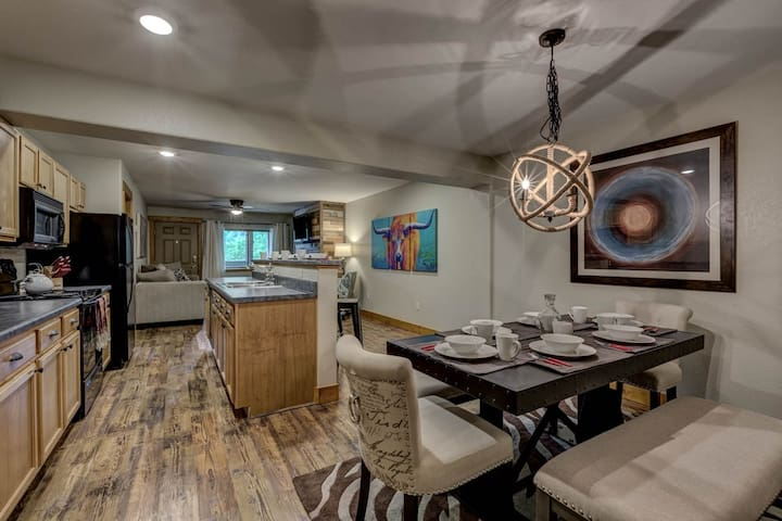 Beautiful Downtown Condo. 20% Off Ski Rentals! - Steamboat Springs