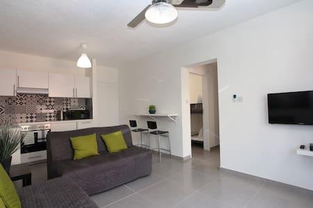 2 bedroom apartment. Sea Glimpse - 公寓