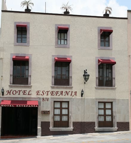 Hotel Estefania - Morelia - Bed & Breakfast