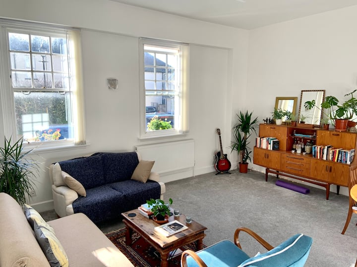 Well lit and spacious ground floor flat