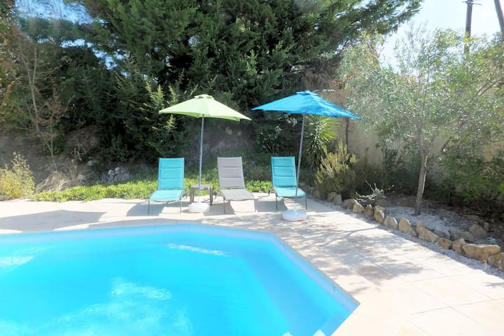 Spacious 3 bed villa with pool, near Pezenas