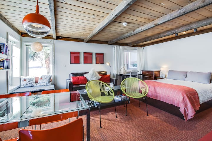 Modern studio with views of Bald Mountain, shared pools & hot tub!