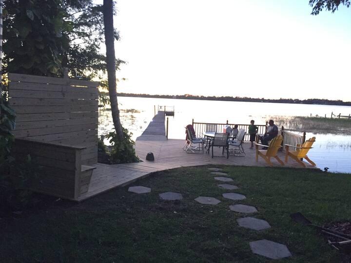 Sunset Charmer Whole house on Lake Placid