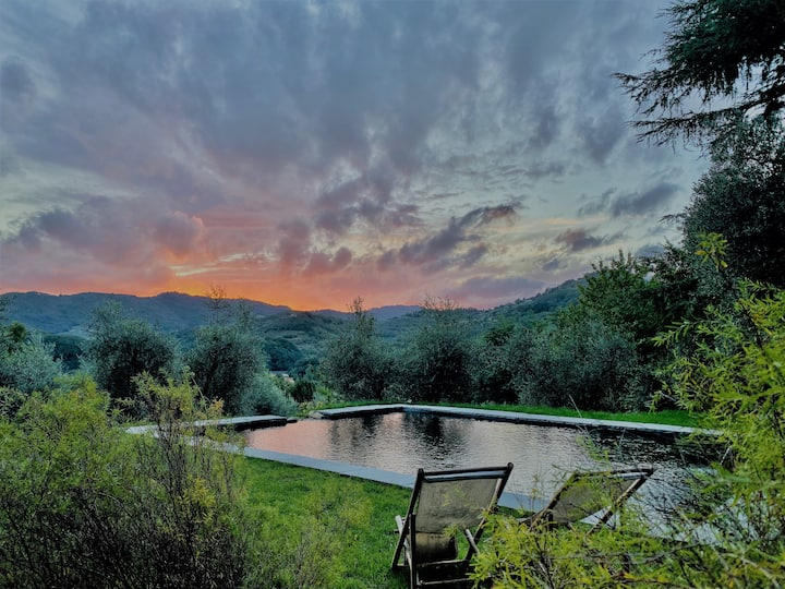 Tuscan villa on a private hill 5km from Lucca
