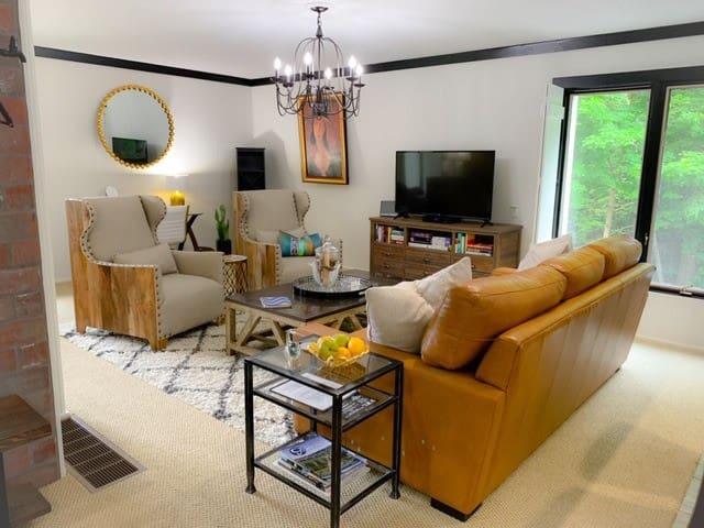 Avoir La Paix - Luxury Studio Apt - Granville, OH