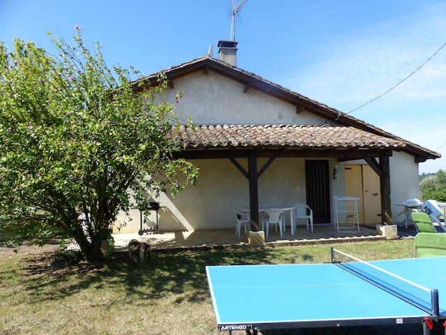 Idéal pour des vacances au vert! - Villebramar - House