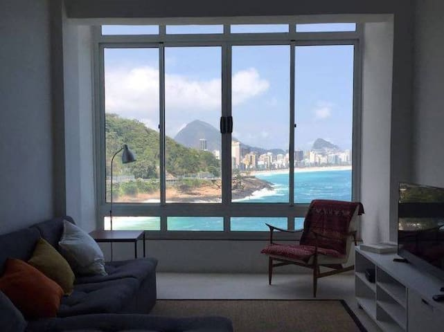 Apartment with the most beautiful view of Rio!