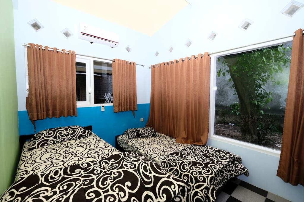 KAMAR BELAKANG 2 SINGLE BED