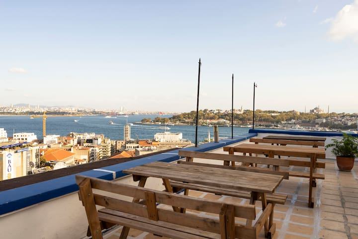 Stylish Flat&Rooftop Terrace with Panoramic View