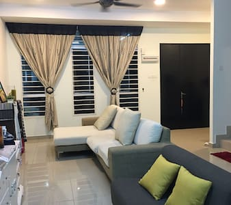 Private room nearby KLIA and UKM - Kajang
