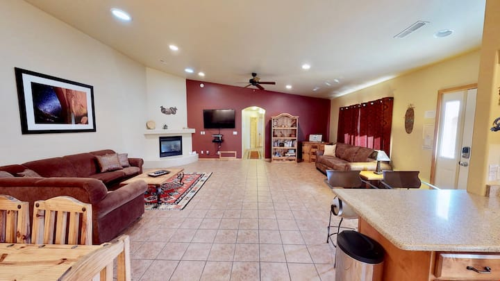 Arches West ~ 393, Townhome In Moab's most requested location. Private Hot Tub Just Two Blocks From Moab's Main Street - Arches West ~ 393