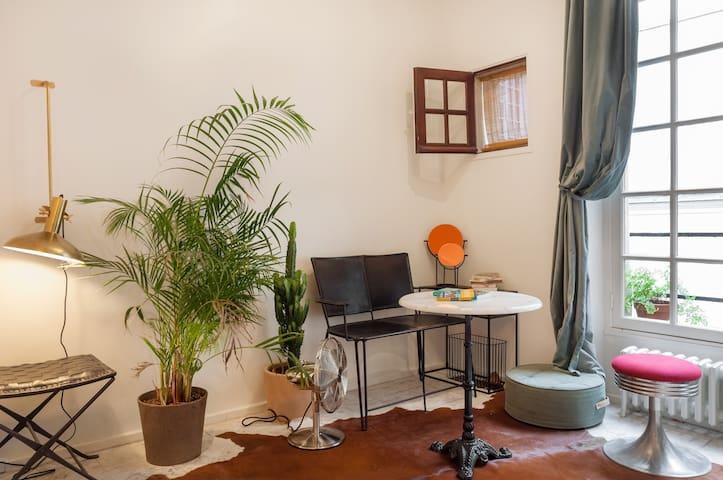 Studio in the centre of marais
