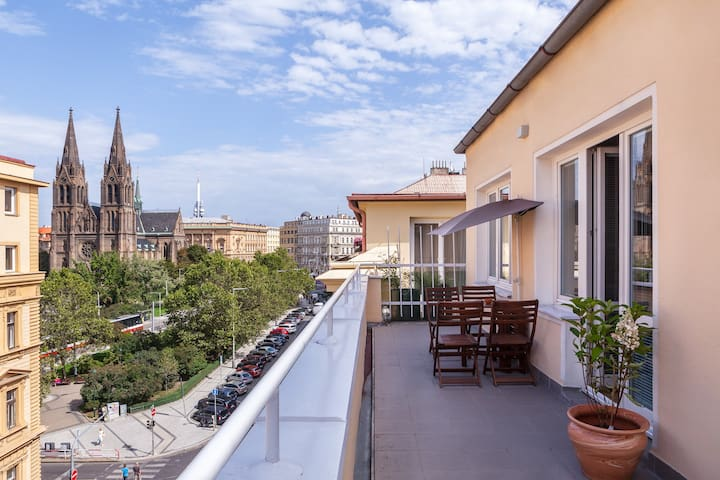 Downtown apartment with terrace & great view