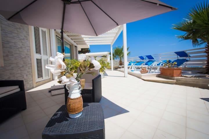 Dafne Apt. seafront in Villa Amateia - Syracuse - Punta Milocca - Apartment