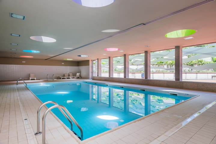 Luxury 3 + Pool + Sauna + Jacuzzi + Spa + Gym