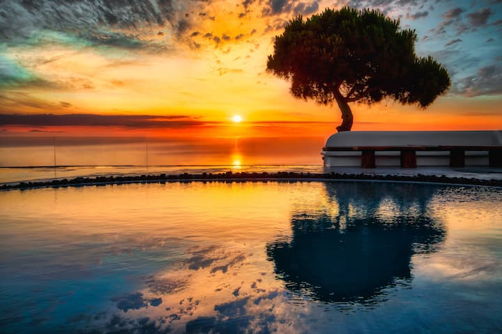 OFFER! Private villa with sea view