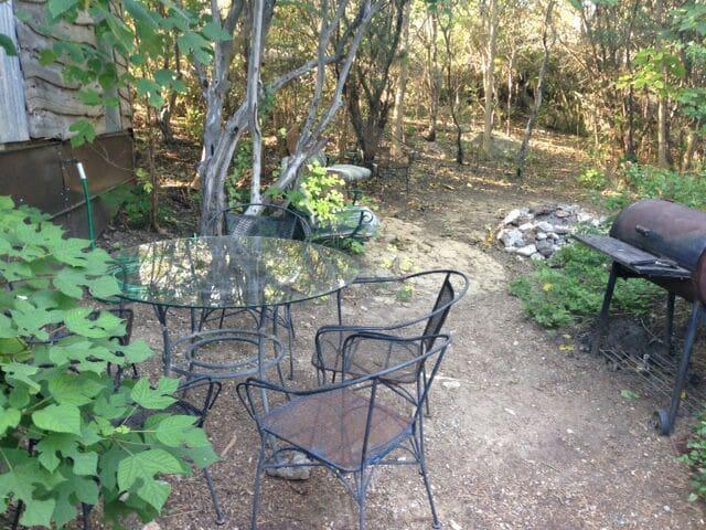Scenic Cedar House Sleeps 11 - Marble Falls - Houten huisje