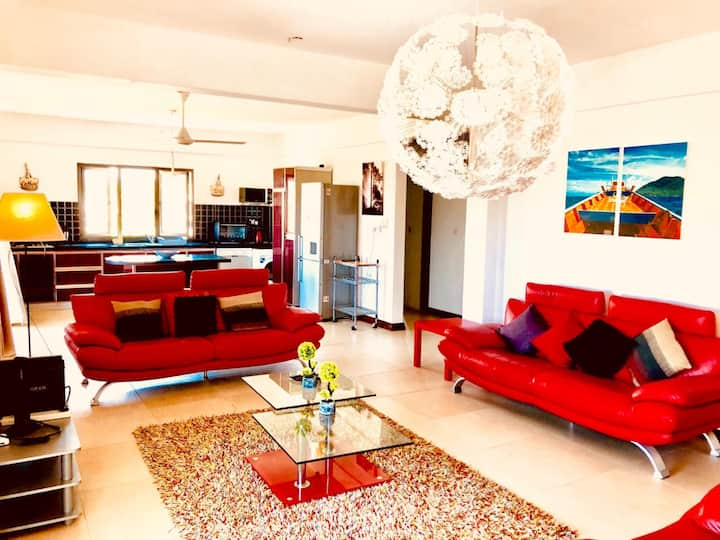 Flic en Flac Luxury Penthouse Beachfront with Lift