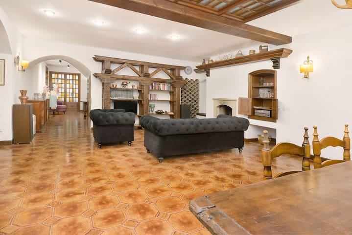 Maravillosa casa de pueblo casco antiguo del Arboç - L'Arboç - Casa