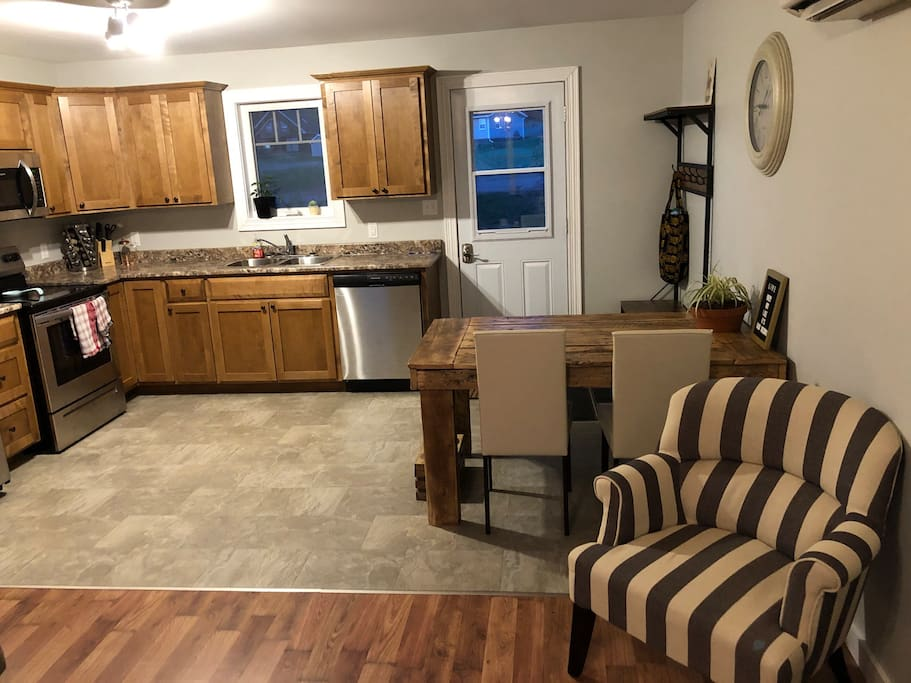 Kitchen/ Eating area
