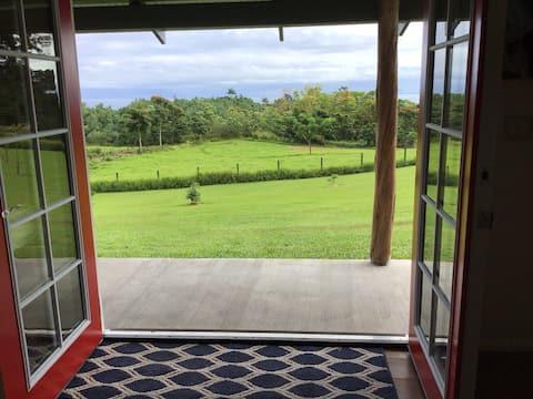 Puumoi Ocean View Hideaway