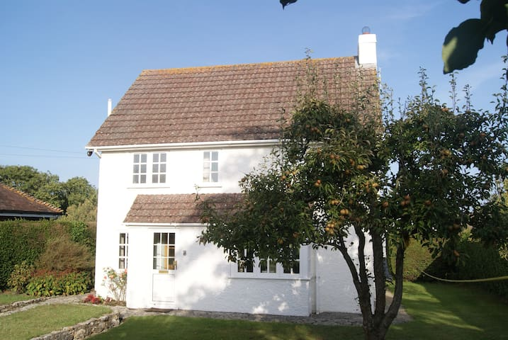 Spacious detached cottage in Corfe - Corfe Castle - House