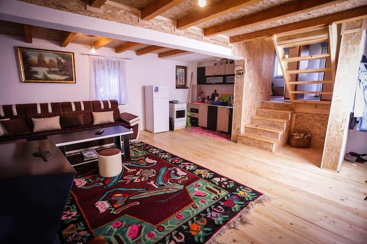 Planinarska kuća