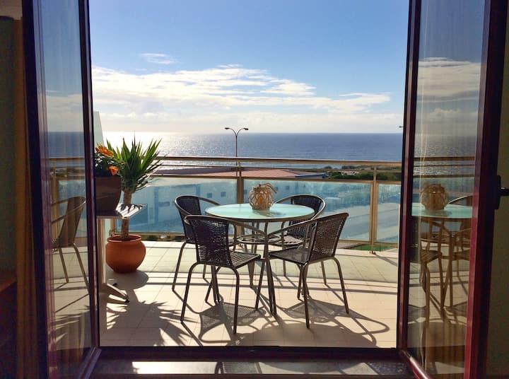 Yuka Surf Ericeira - Ocean View & Swimming Pools!