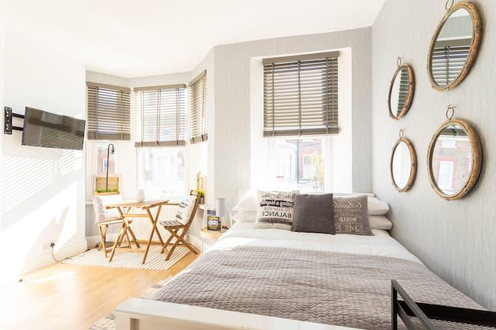 Modern 1 Bed Studio - West Kilburn - Queens Park