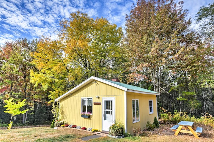 Cozy Amherst Cottage on 50-Acre Farm w/ Fire Pit!