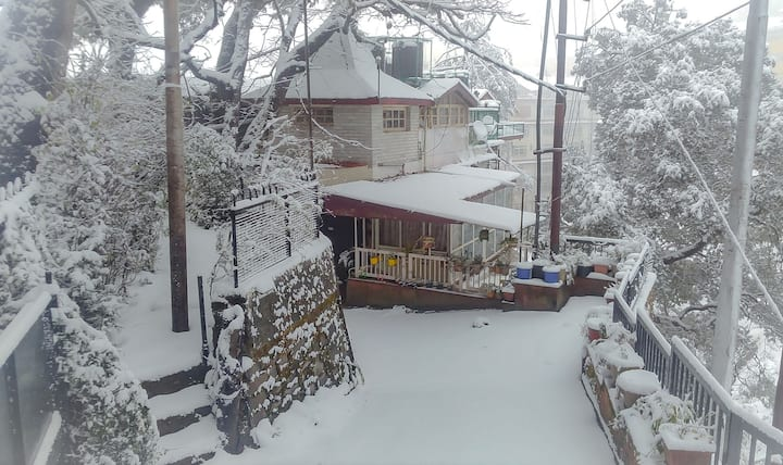Sunny entire apartment close to downtown Shimla