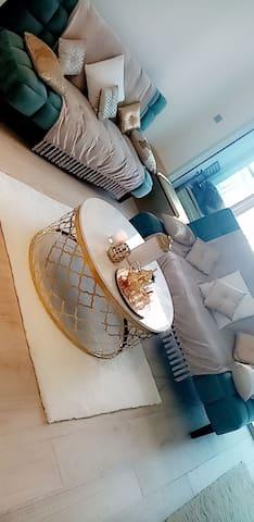 Amazing Studio in Dubai Marina with sauna, Hamam.
