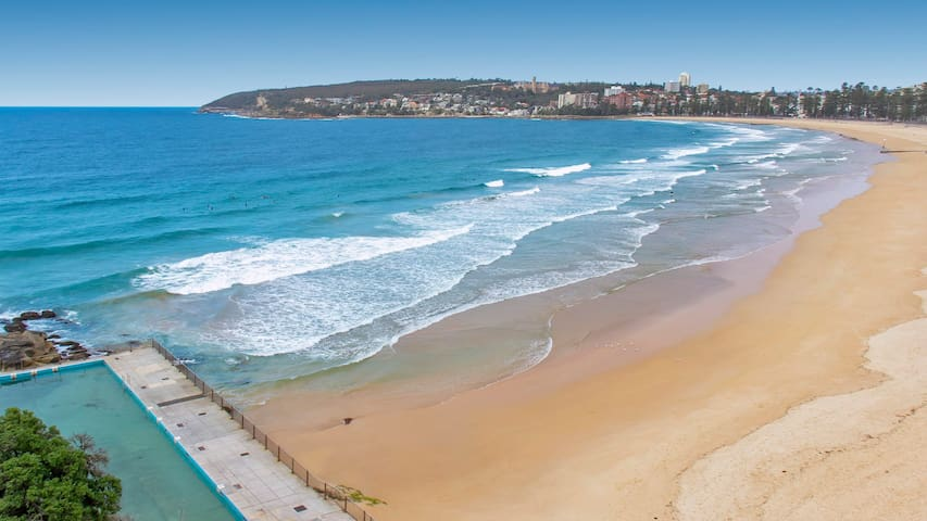 Manly Panorama with Direct Access to the Beach