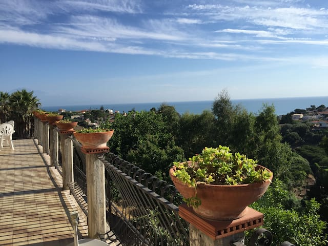 Villa al mare con vista fantastica - Brucoli - Villa