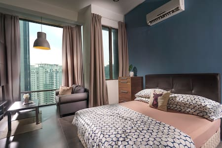 EXCLUSIVE STUDIO @ Empire Damansara [FREE WIFI] - Petaling Jaya