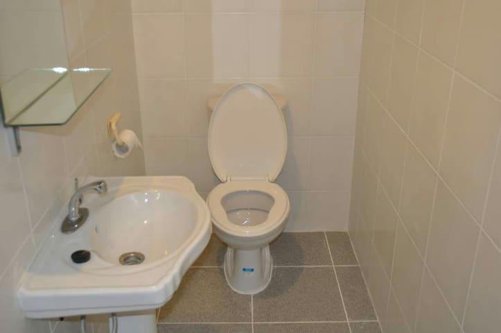 2 Double bedroom, bath & Kitchen - Díli - Leilighet