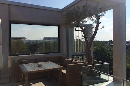 Moderne Penthousewohnung - Unterschleißheim
