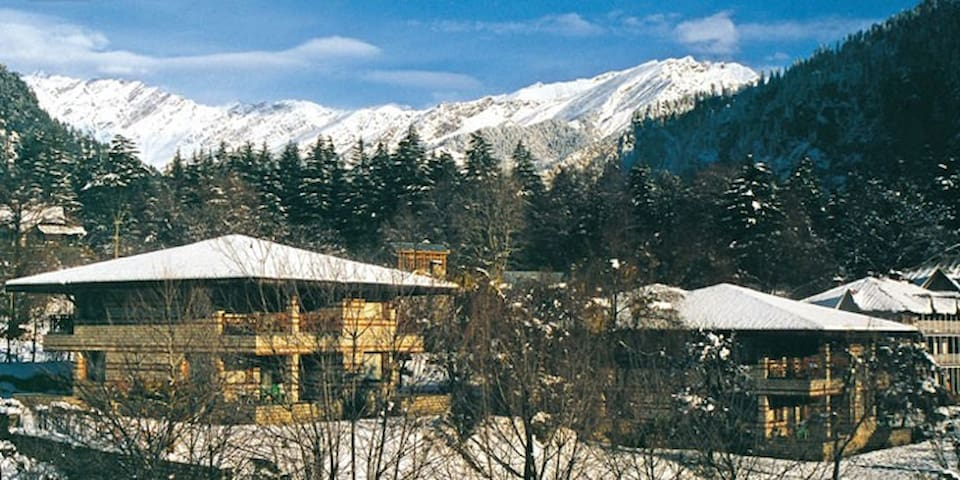 Spacious Two Bedroom Cottage at Banon, Manali