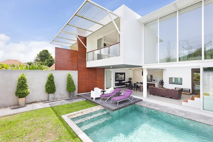 Modern villa 4 bedrooms in quiet residence