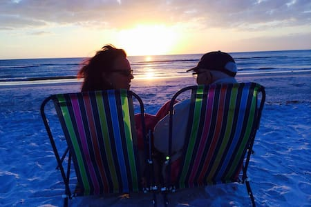 Beautiful Clearwater Beach Sunsets! - Apartment