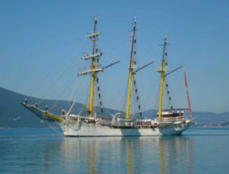 Jadran is old training ship which is arrived in Tivat 1933. It is adornment of main promenade Pine.