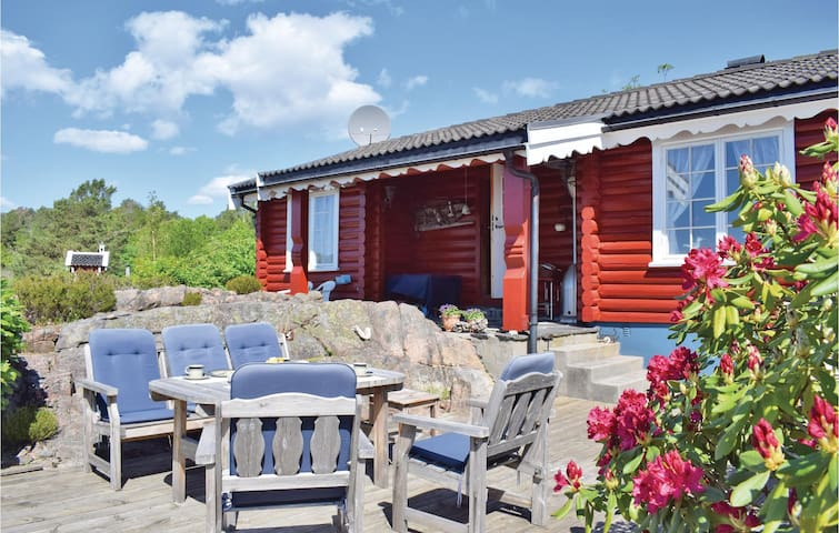 Holiday cottage with 1 bedroom on 100m² in Tvedestrand