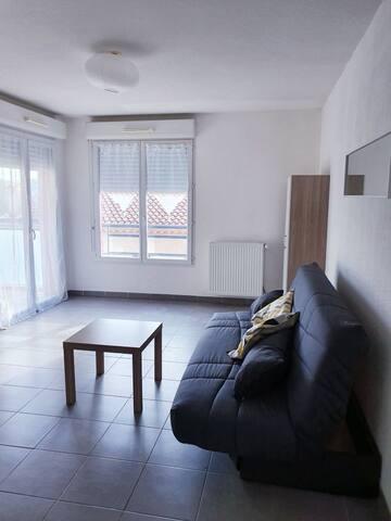 studio moderne dans quartier résidentiel