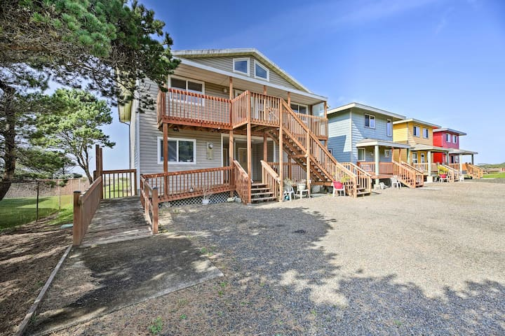 NEW! Accessible Studio w/ Deck - 4 Mi to Yachats!