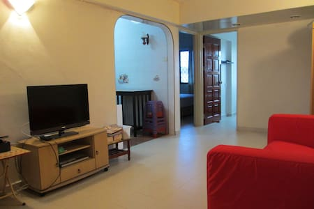 2 Bedroom Comfortable Apartment - Gelugor