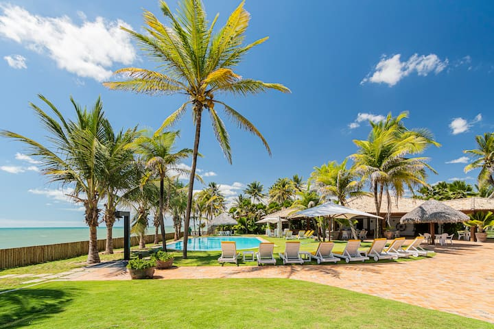 Beachfront Luxury Villa holidays in Cumbuco