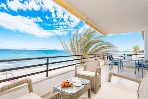 Casa direct to the beach & sea view.b