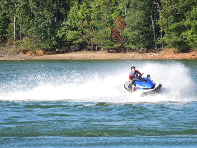 The Ultimate Lake Lanier Getaway - Gainesville - Hus