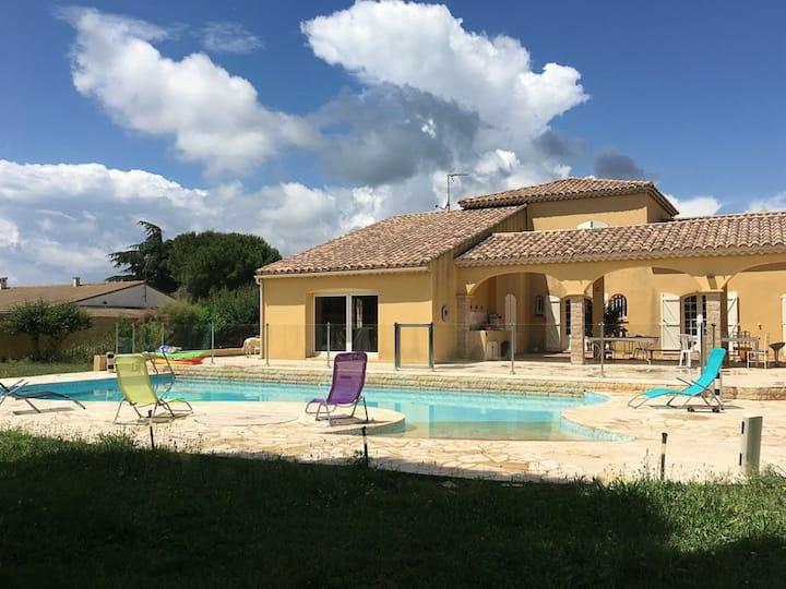 Logement privé dans villa proche des plages.