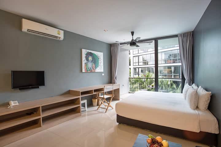 Beau studio de luxe, 45m², rafraîchi, plage à 500m